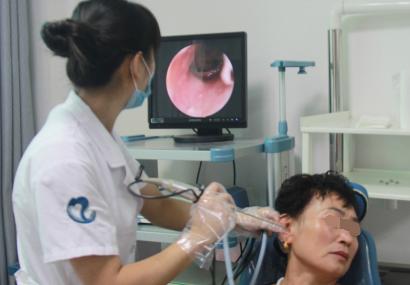 中耳炎穿孔会引起头晕和脸肿吗